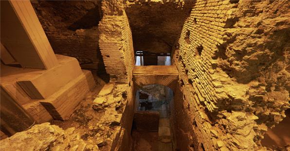 Rinascente e Città dell'Acqua: visita con archeologa