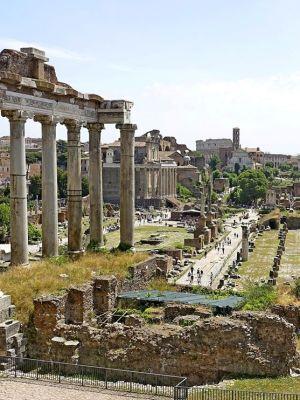 dal balcone il Foro Romano