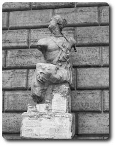 foto della più famosa delle 6 statue parlanti di Roma