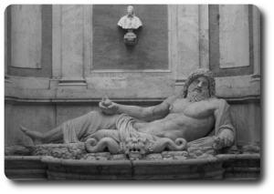 la statua fluviale del Marforio nel cortile di Palazzo Nuovo, un'ala dei Musei Capitolini