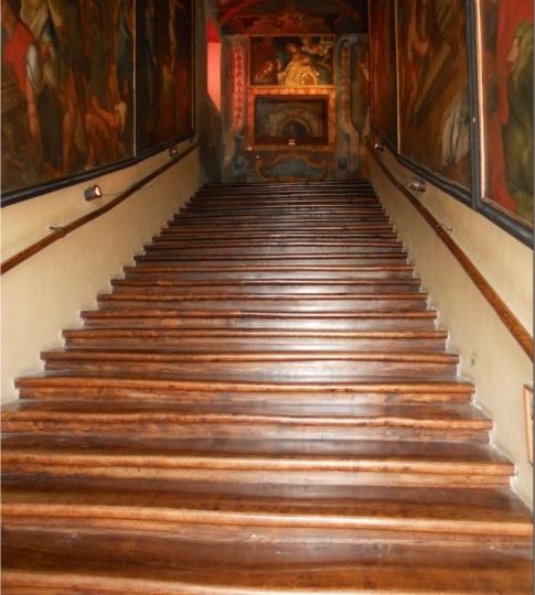 i gradini della scala santa di piazza san giovanni in laterano