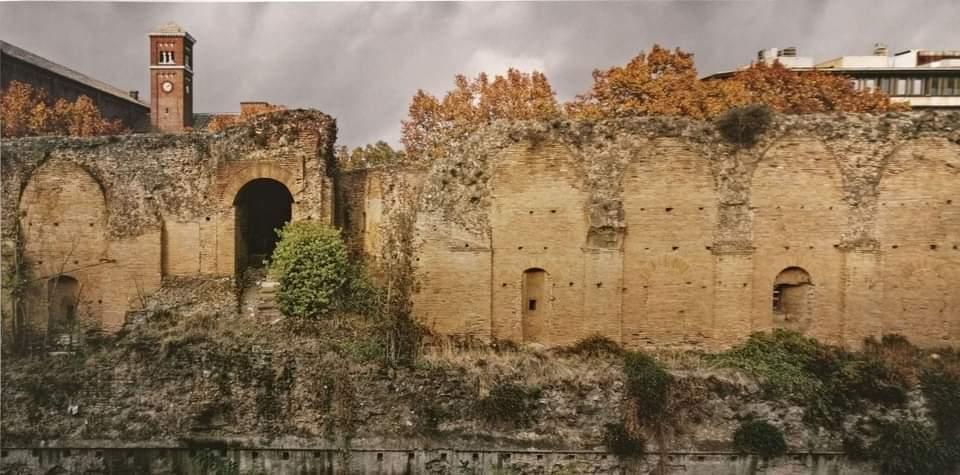 Le mura aureliane, porte aperte sulla storia: visita guidata + pranzo